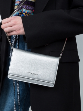 Pandora mini chain bag
