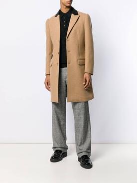contrasting collar coat