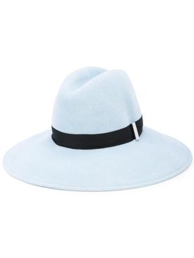 Requiem hat