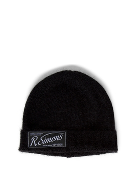 Knit Beanie With Woven Label BLACK