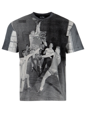 BASKETBALL PHOTOGRAPHIC TEE BLACK AND WHITE
