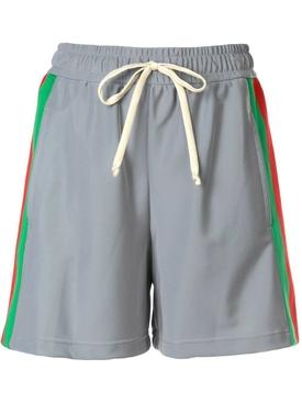grey running shorts