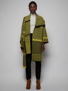 BLACK AND YELLOW ZIG ZAG PATTERN CAPE