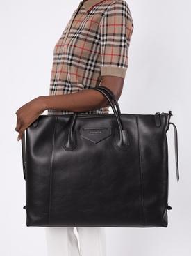 Antigona Soft Bag Black
