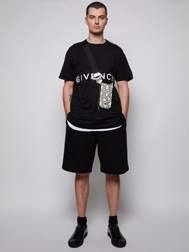 Mid-chest logo t-shirt black