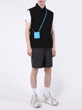 Buttoned sleeveless overshirt BLACK