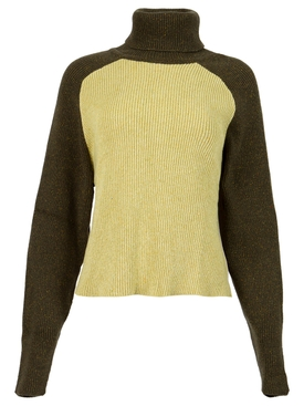 Thin turtleneck in khaki and yellow