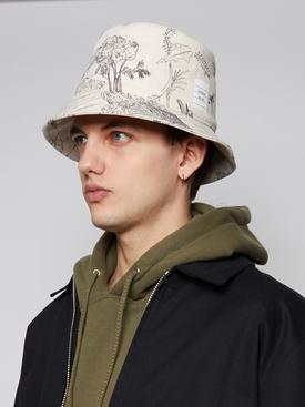 GRAPHIC PRINT BUCKET HAT, WHITE