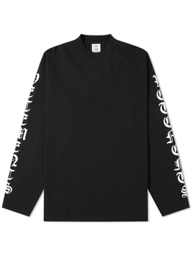 GOTHIC FONT LONG SLEEVE T-SHIRT BLACK