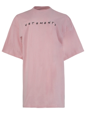 BABY PINK FRIENDLY LOGO T-SHIRT