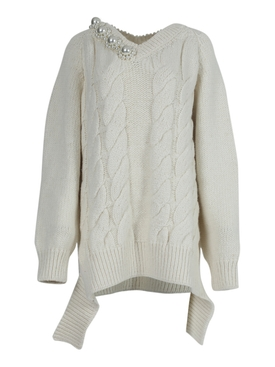 Cream V-neck cable knit sweater
