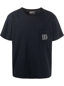 Embroidered logo pocket t-shirt black