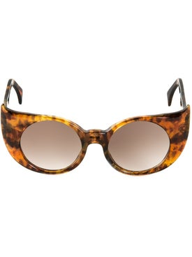 Barn's - 'eye-liner Frame' Sunglasses - Women