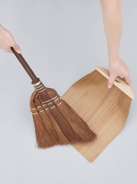 Broom with Black Bamboo Handle BROWN