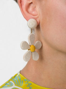 Rebecca De Ravenel - White Daisy Clip Earrings - Women