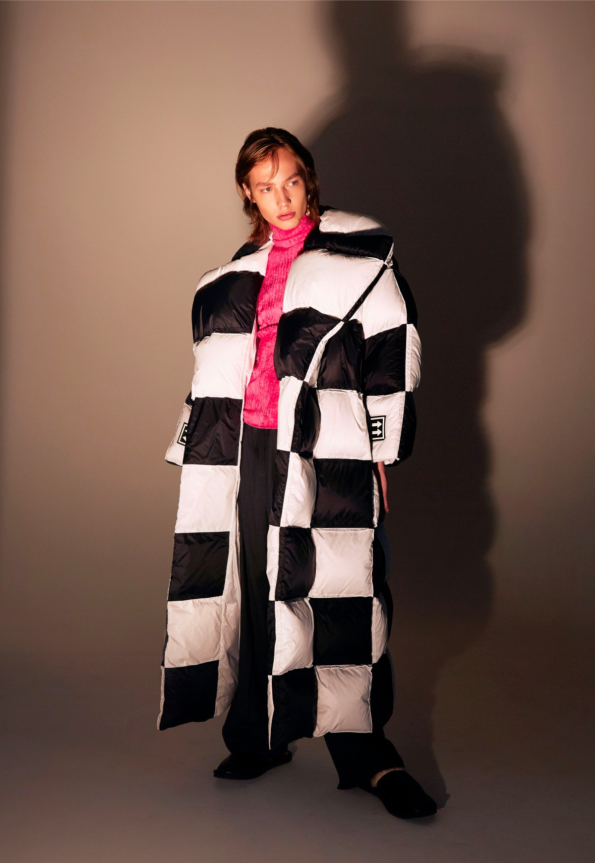 OFF-WHITE 3D Large Checkered Puffer – SIES MARJAN Pink Ribbed Top – MAGDA BUTRYM Earrings