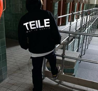 teile black onf logo hoodie