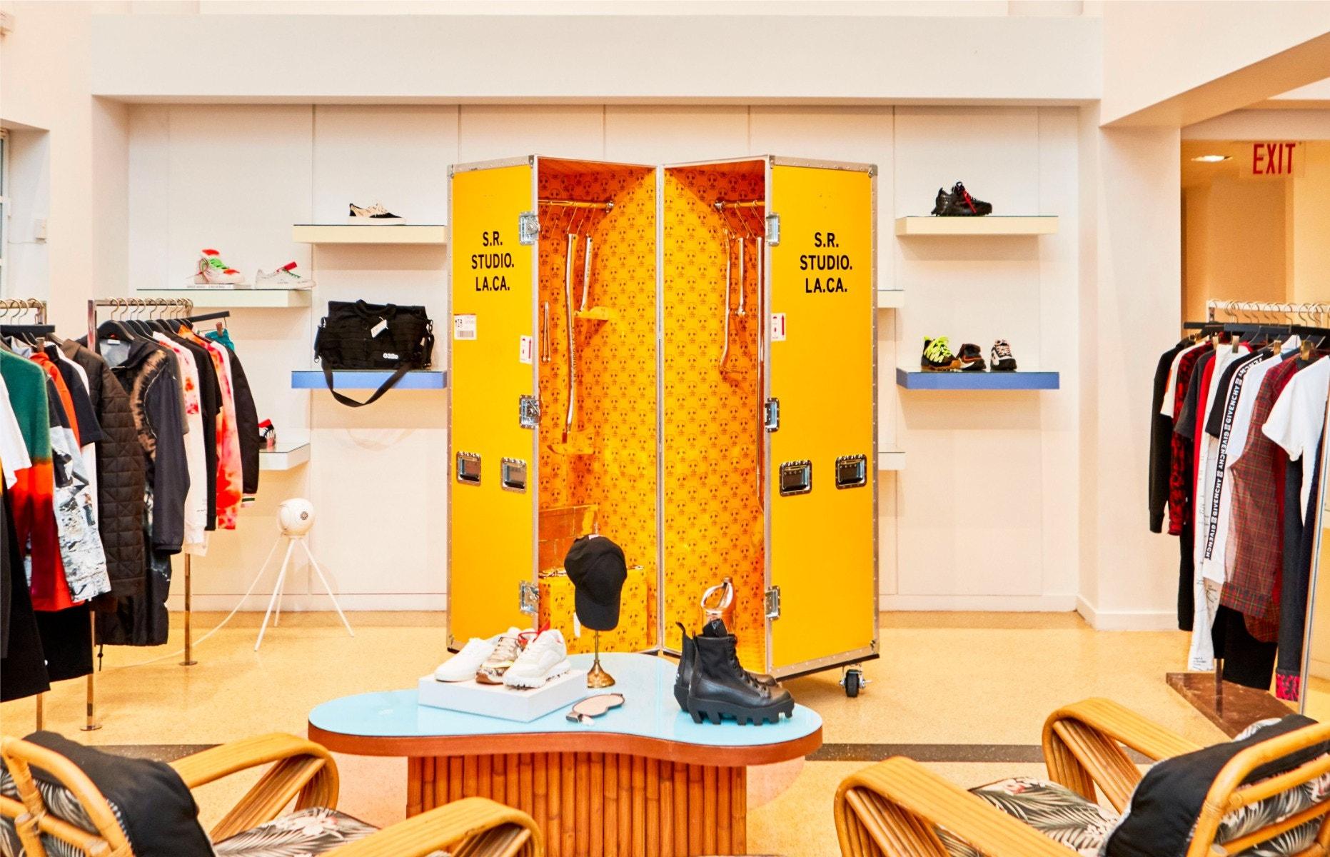 Shop S.R. Studio. La. Ca