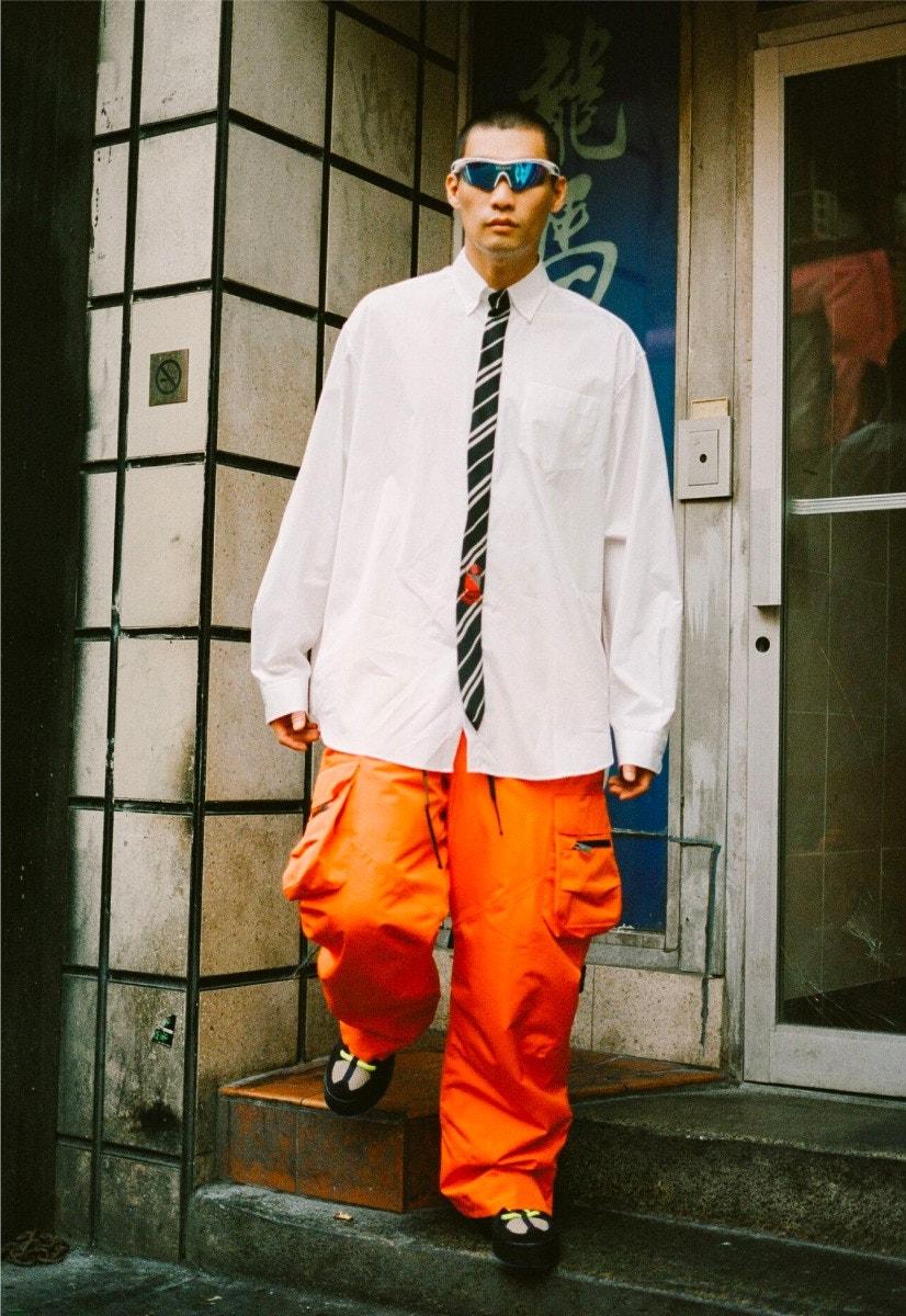 LINDA FARROW X ICEBERG Sunglasses – VETEMENTS Shirt – RAF SIMONS Cargo Pants PIERRE HARDY Ankle Boots